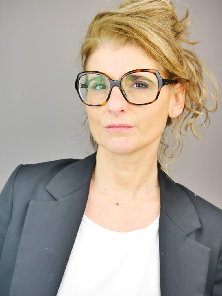 Book Sabrina Nanni comédienne - 2021 - Crédit Photo © Steeven Tareau